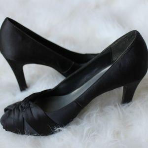 Mootsies Tootsies Shoes - Black Satin Twist Pumps